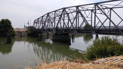 Delta-Bridge